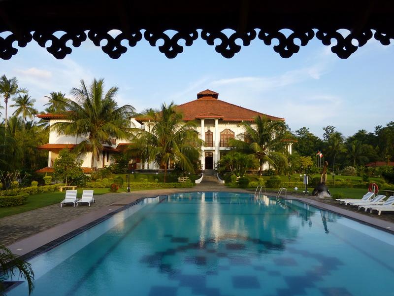 Yapahuwa_Paradise_Hotel-Piscine_1